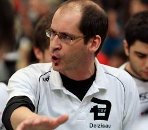 Steffen Rost als Deizisauer Trainer - die Ruhe selbst.