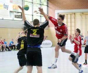 Simon Wohlrabe im Juni 2013 im Spiel gegen ART Düsseldorf - jetzt wirft er für die Düsseldorfer.