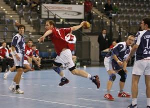 Frank Illi setzt im Dress des TSV Wolfschlugen zum Kunstwurf an - das war im Jahr 2007.